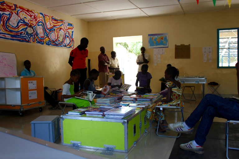 Picture of the first Ideas Box users in Senegal