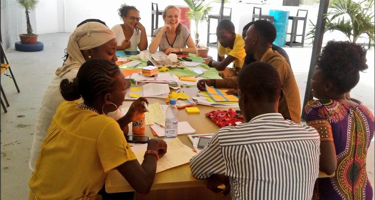 Photo d'un atelier d'ecriture pour les Jeunes Leaders senegalais