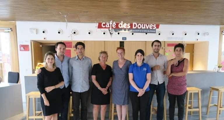 Photo des membres du comité de sélection et des représentants des 4 associations bordelaises lauréates