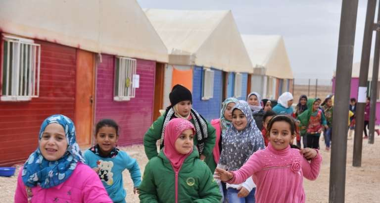 Photo de fillettes réfugiées au camp de Zaatari en Jordanie