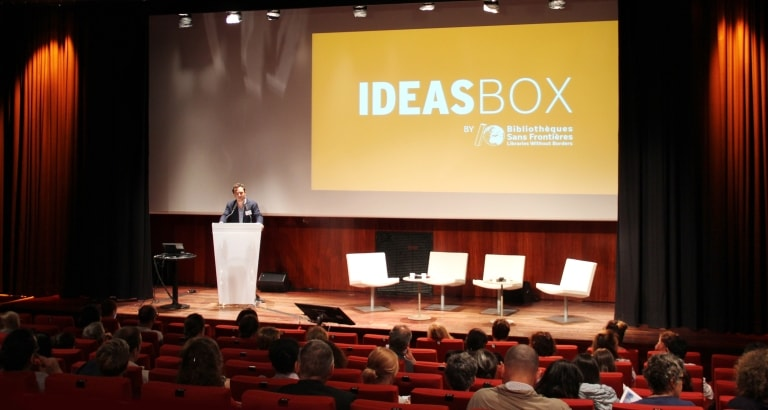 Photo de Jeremy Lachal ouvrant la 2ème journée Ideas Box France