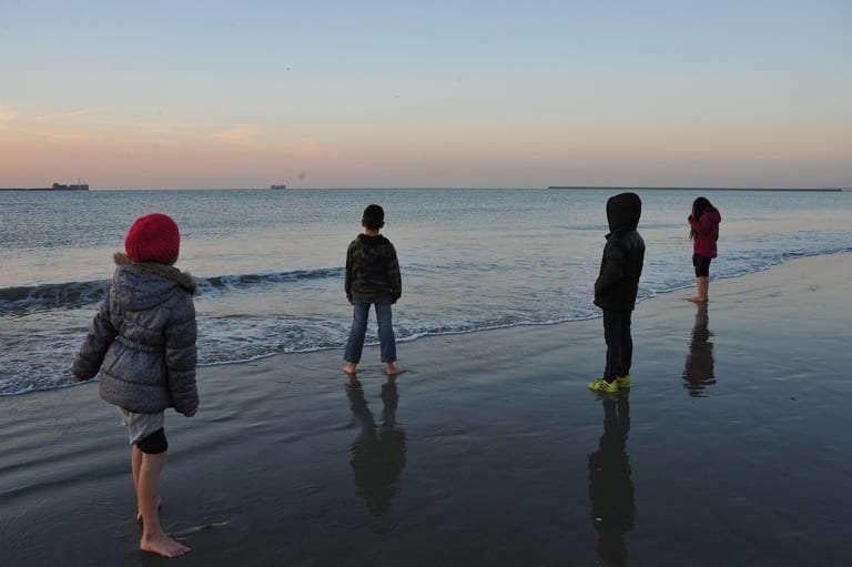 Photo d'enfants en bord de mer