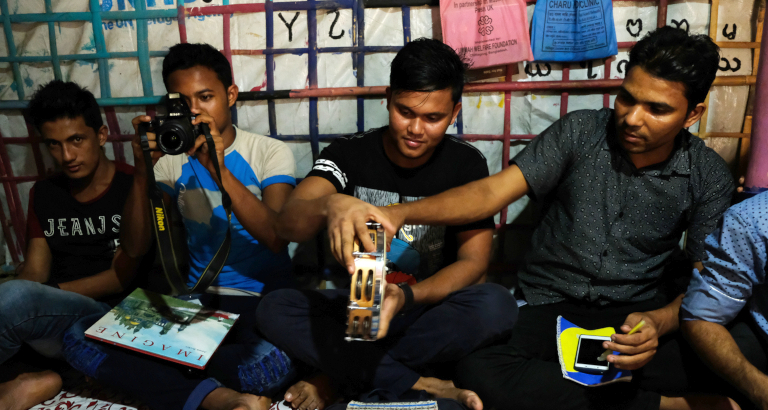 Ateliers avec les réfugiés rohingyas