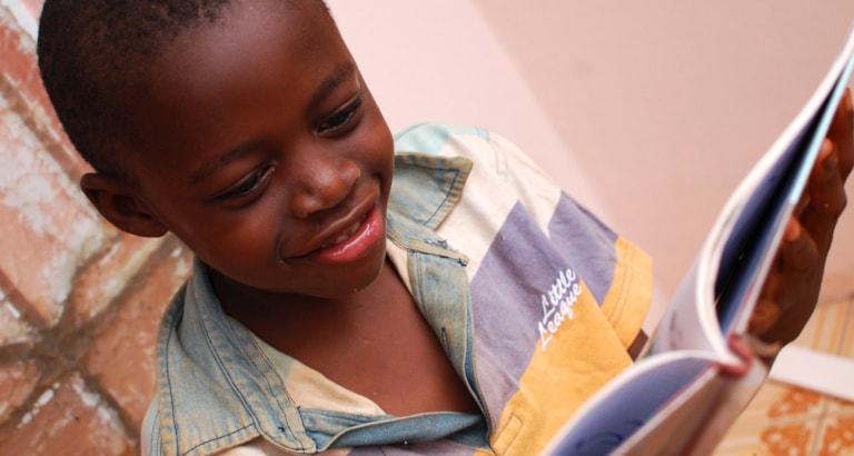 Photo d'un jeune lecteur